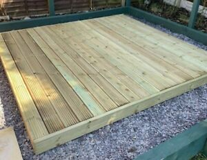 jack-humphrys-opm-build-supply-chippenham-builder-saws-board-with-circular-saw-cutting-wooden-plank